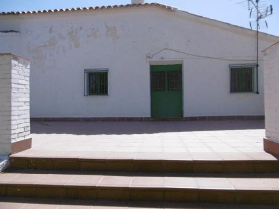 Raised terrace