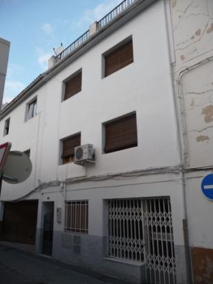 Baza town house.