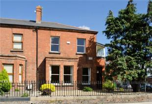 End of Terrace property in 50 Whitworth Road...