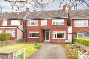 Detached house in 7 Ramleh Close, Milltown...