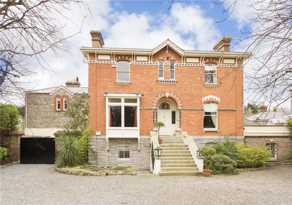 6 bedroom Detached property for sale in Ellerslie...