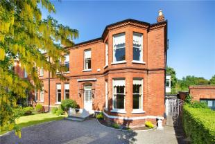 semi detached home for sale in Hadleigh...