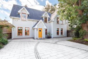 4 bedroom Detached home for sale in 22 Castlewood Terrace...