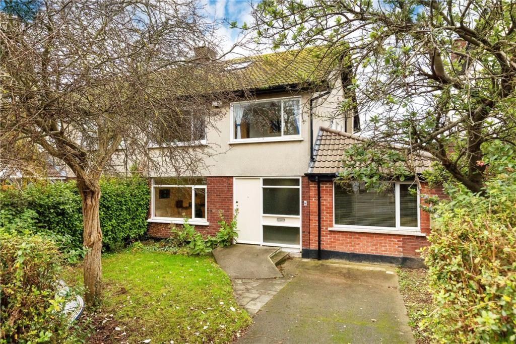 4 bedroom semi detached property for sale in 6 Evora Park, Howth...
