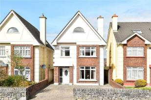 5 bed Detached house for sale in 2 The Paddocks...