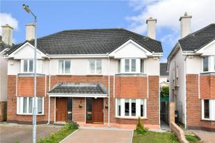 4 bed semi detached property in 49 An Logan...