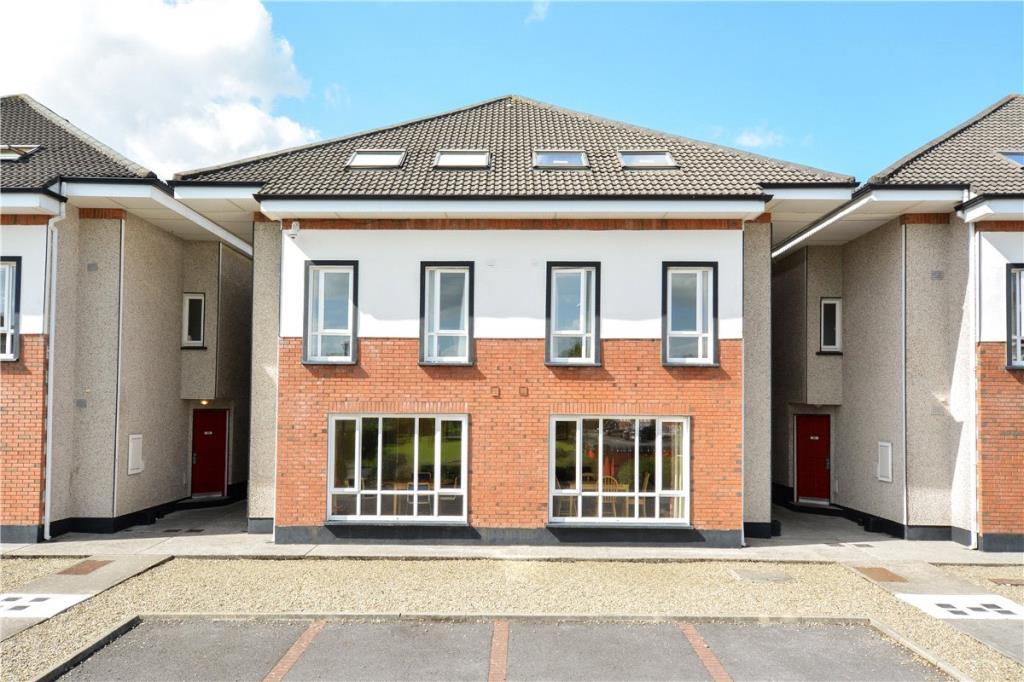 3 bedroom Terraced home in 99 Glasan, Ballybane...