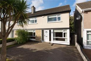 4 bedroom semi detached property in 102 Ardmore Park, Bray...