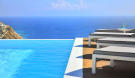 6 bedroom semi detached home in Cyclades islands...