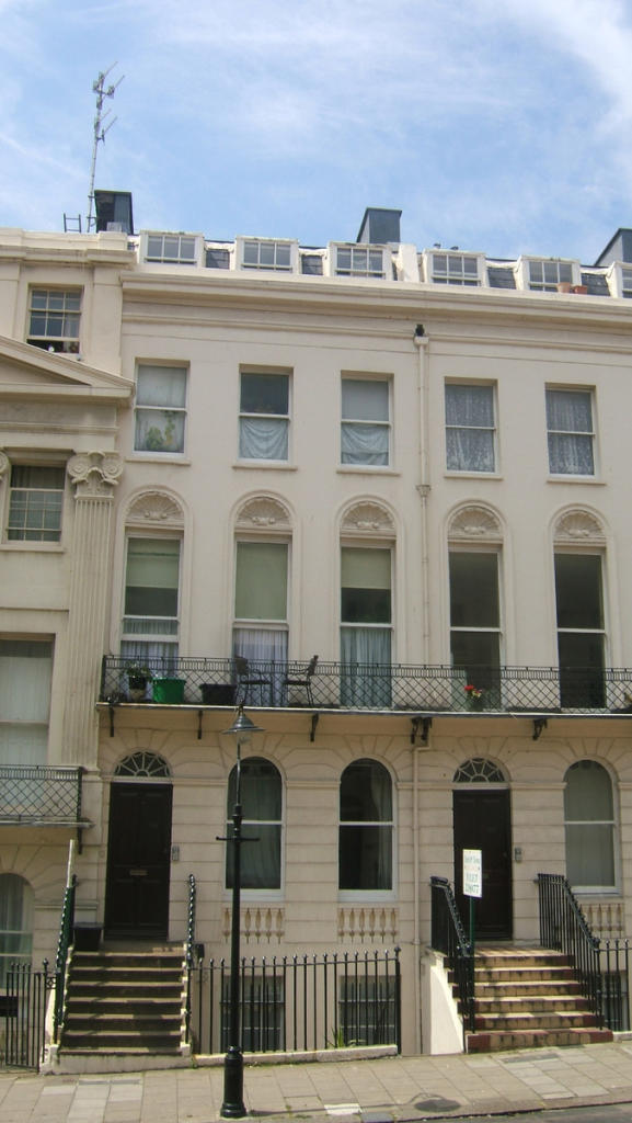 2 Bedroom Flat To Rent In Oriental Place Brighton Bn1