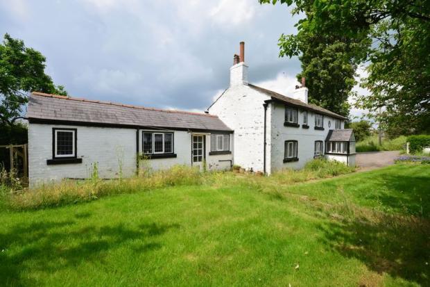 3 bedroom cottage for sale in dam lane rixton warrington. Black Bedroom Furniture Sets. Home Design Ideas