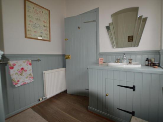 Shower Room Extra Photo