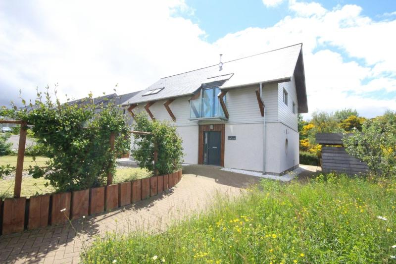 4 Bedroom Detached House For Sale In 19 Balvonie Brae