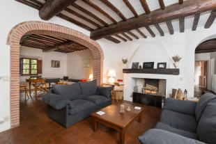 4 bed Country House for sale in Gaiole in Chianti...