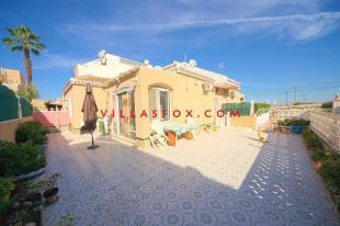 Semi-Detached Bungalow for sale in San Miguel de Salinas...