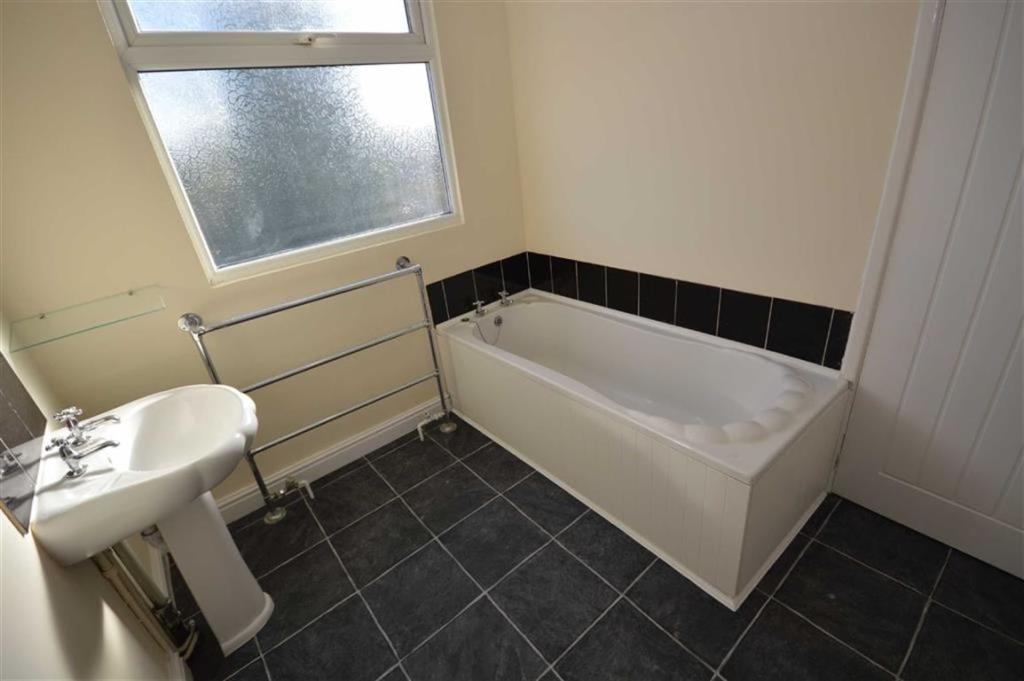 Bathroom/Separate WC
