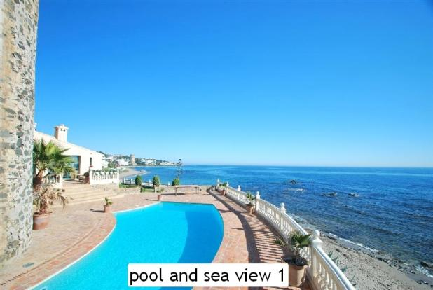 pool and sea view 1
