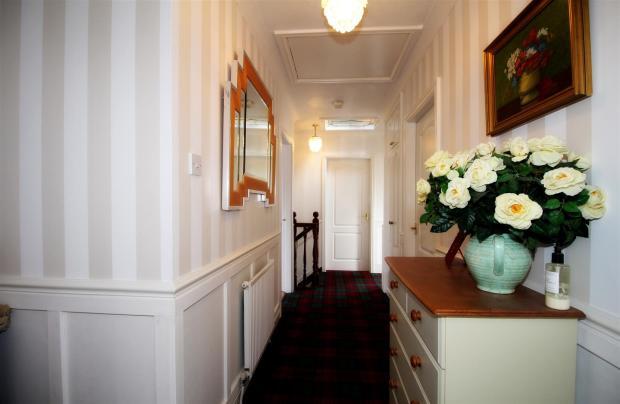 0025_Hawthorne Lodge