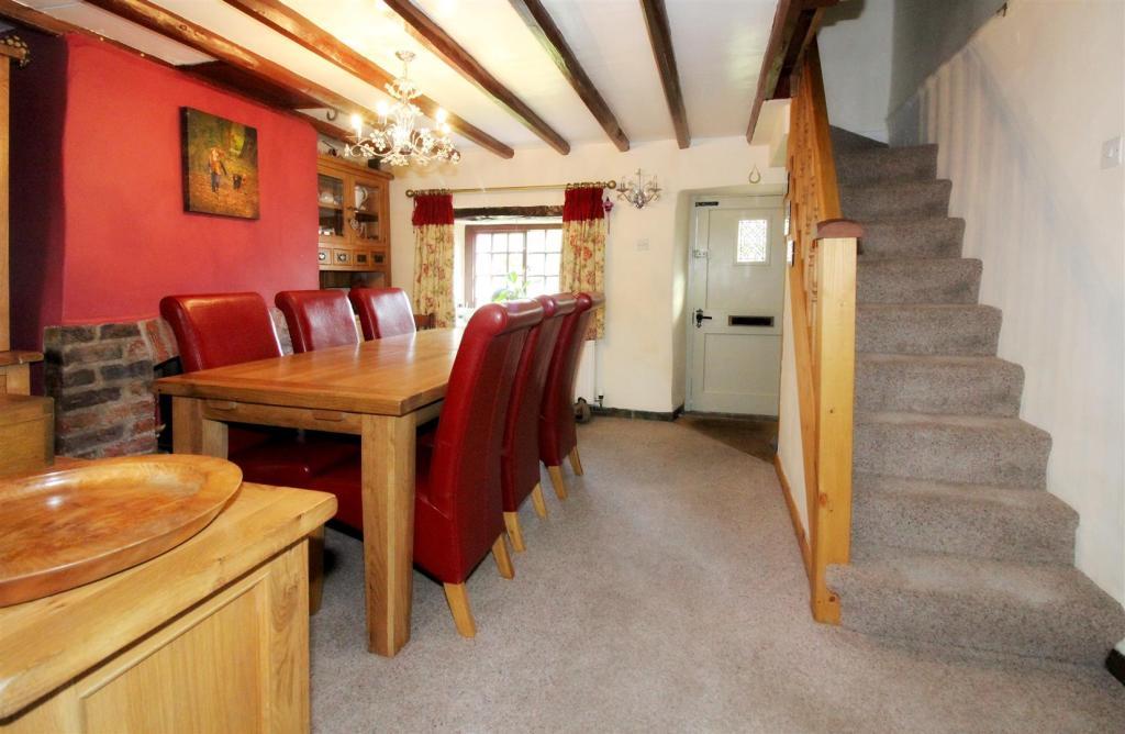 1003_Clara's Cottage