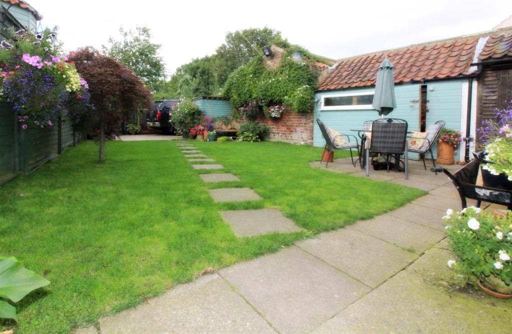 1018_Clara's Cottage
