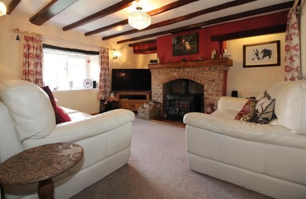 1007_Clara's Cottage