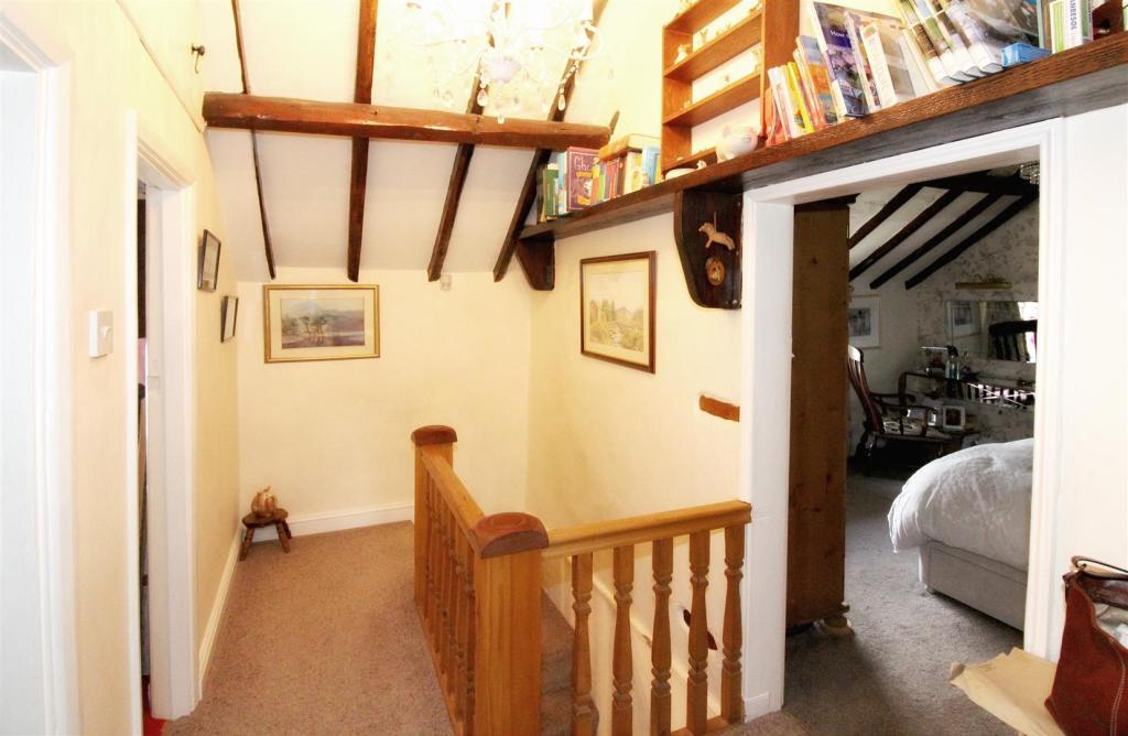 1010_Clara's Cottage