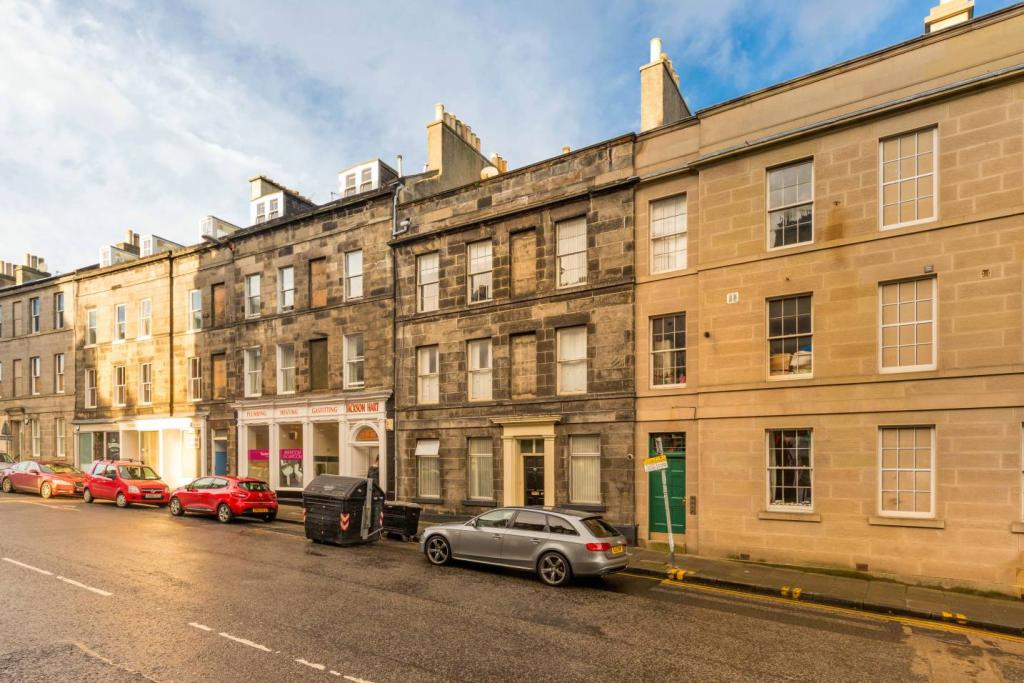 1 bedroom flat for sale in 55 2f1 montrose terrace for 55 buckstone terrace edinburgh