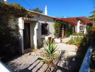 3 bed Detached Villa in Espiche, Algarve