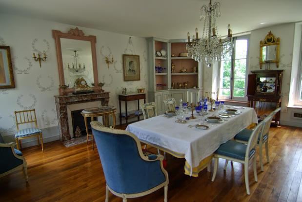 Sumptuous Diningroom