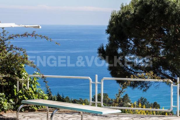 Villa Finale Ligure - Vista dal solarium piscina