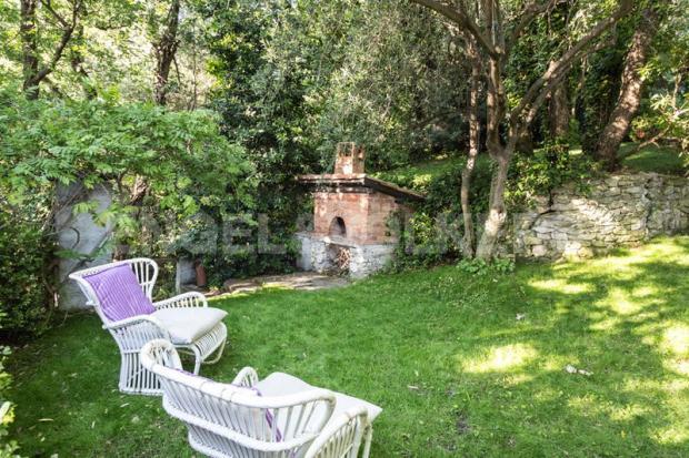 Villa Finale Ligure - Giardino, zona barbecue