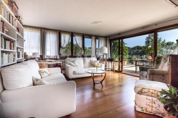 Arenzano Pineta - Penthouse, Wintergarten mit Blick auf die Terrasse