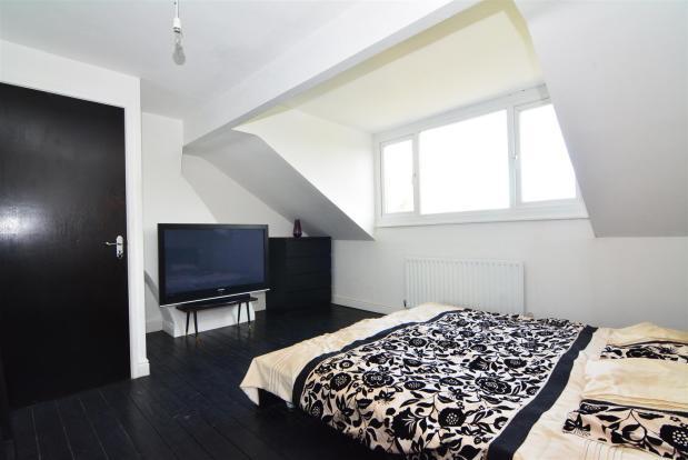 BEDROOM.4.