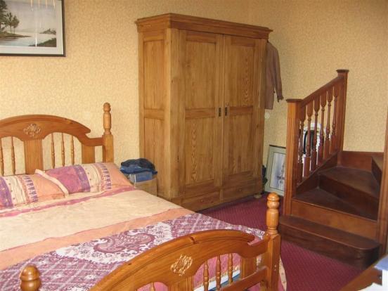 Guest Bedroom: