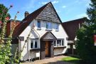 3 bed Detached property in Manor Road, High Barnet...
