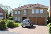 5 bed Detached home in Chestnut Drive...