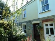 Central Terraced house to rent