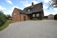 4 bedroom Detached home in Watery Lane, Beachampton...