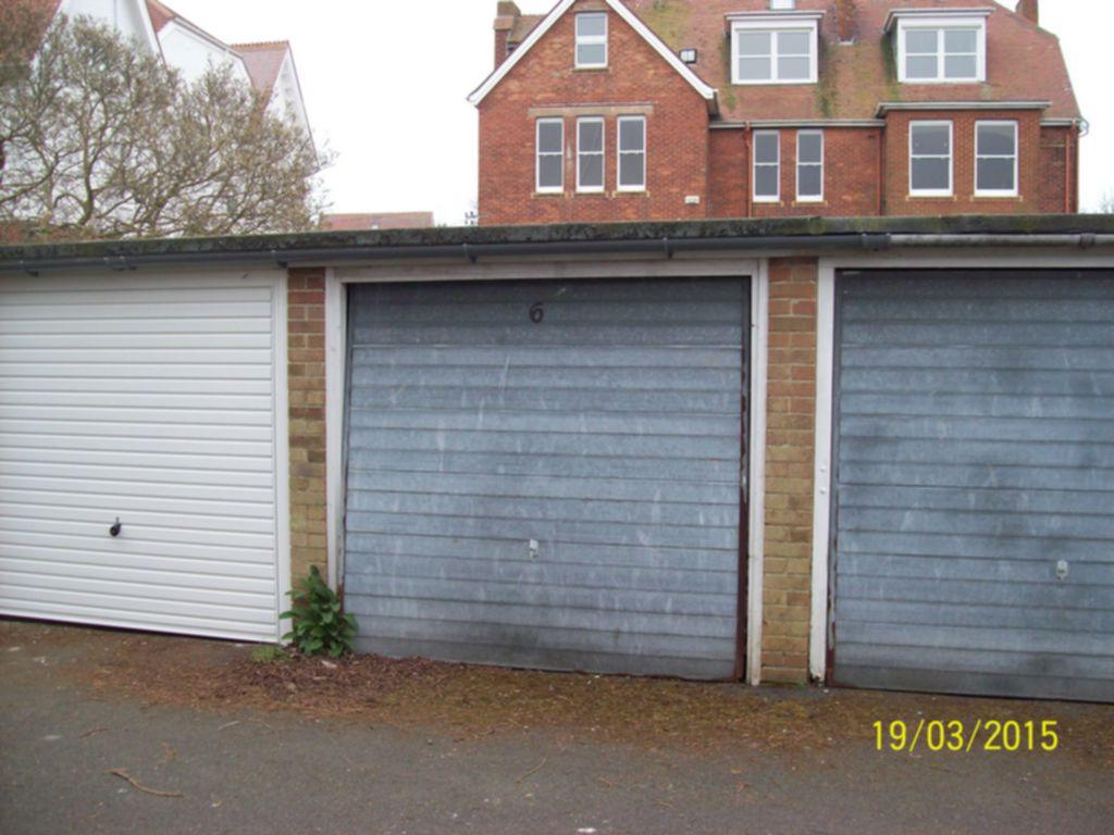 Garage To Rent In Shorncliffe Road Folkestone Ct20 Ct20