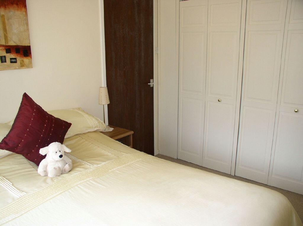 Bedroom 1 Picture 2
