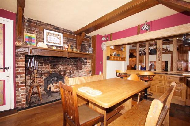 Lounge & Open