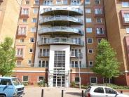 2 bed house in Winterthur Way, Floor...