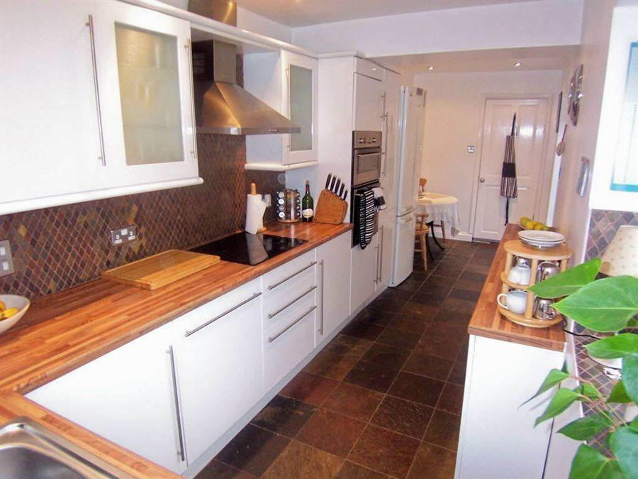 2 bedroom terraced house for sale in westgrove terrace for Galley kitchen cabinets for sale