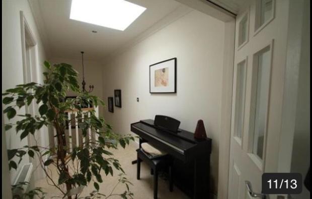 (From Hallway) SECOND FLOOR - LANDING