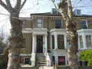 3 bed Flat in Lordship Road...