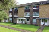 Flat to rent in Cotswold Court, Horsham