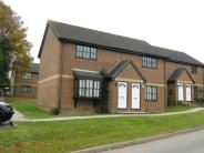 Maisonette to rent in Oak Tree Way, Horsham