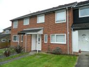 4 bedroom house to rent in Badgers Close, Horsham