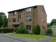 Flat to rent in Swann Way...