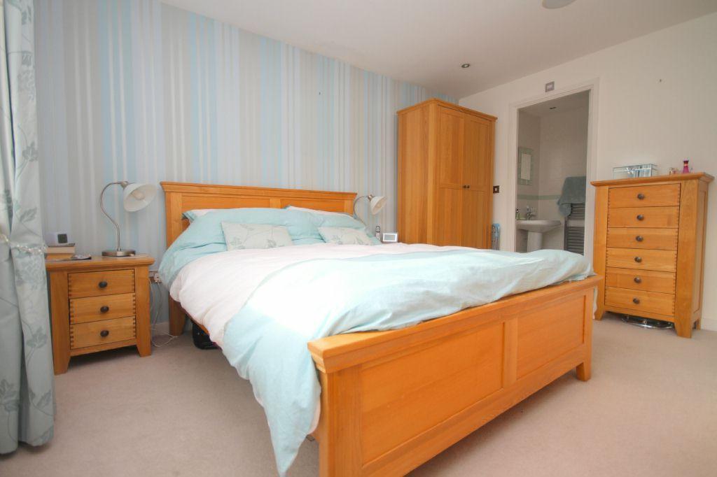 Master Bedroom - view 2